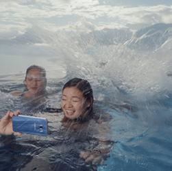 Samsung nás oslovuje v novej vianočnej reklame